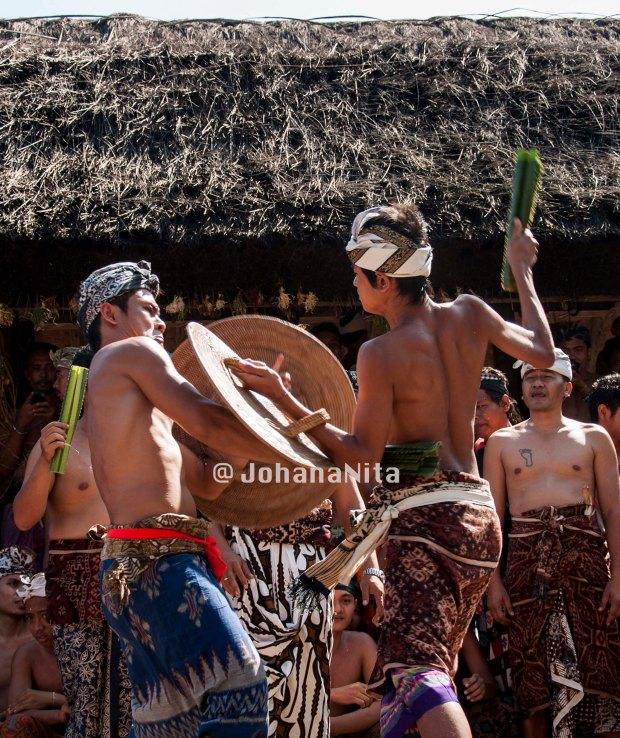 Pertarungan kehormatan mewakili dua Banjar